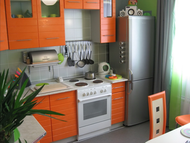 маленькие угловые кухни в хрущевке, кухни хабаровск, кухни для хрущевки, кухни в современном стиле модерн, кухни в классическом стиле, угловые кухни в хабаровске, дизайн кухонь, кухни фото, кухни цены, дешевые кухни, оформление кухни интерьер, кухни на заказ хабаровск, фартуки, линолеум, ламинат, кафель для кухни, керамическая плитка для кухни, дизайн интерьеров в хабаровске, цвета кухонных гарнитуров, подобрать цвет для кухни, красные кухни, коричневые кухни и кухни цвета венге хабаровск