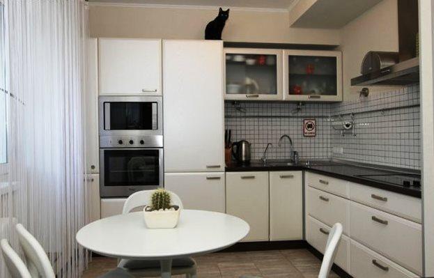 угловые кухни хабаровск, маленькие кухни дизайн на фото хабаровск