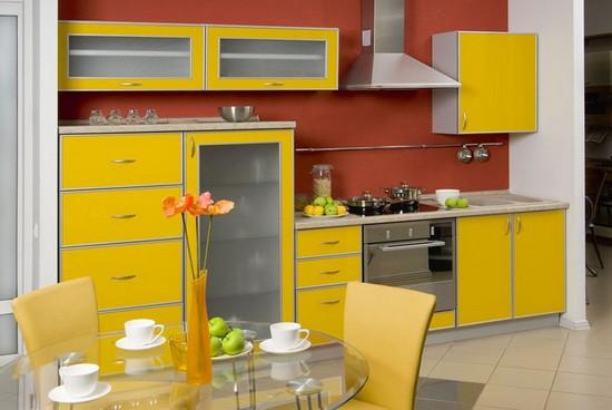 желтые кухни