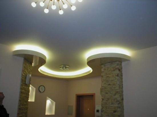 потолки на кухне дизайн